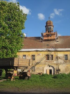 severní přůčelí zámku - květen 2012