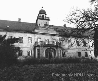 zámecká budova na fotografii ze 70. letech 20. století