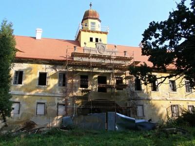 rekonstrukce středového rizalitu jižního průčelí - září 2012
