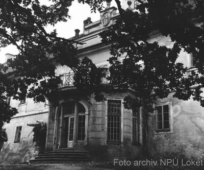 průčelí zámku ve Štědré v 70. letech 20. století