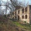 Svatobor - fara   zdevastovaný objekt bývalé fary v zaniklé vsi Svatobor od severovýchodu - duben 2017