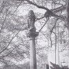 Sedlec - sloup se sochou Panny Marie | poškozený barokní mariánský sloup počátkem 90. let 20. století