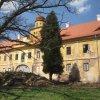 Štědrá - zámek   jižní průčelí rekonstruované zámecké budovy - duben 2013
