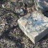 Dlouhá - kamenný kříž | základový sokl žulového podstavce kamenného kříže - březen 2017