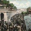 Karlovy Vary - Mlýnská kolonáda | prostor před Mlýnskou kolonádou na pohlednici z roku 1910