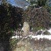 Jeřeň - křížový kámen | novodobá expozice křížového kamene na terase v rohu oplocení - únor 2011