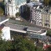 Karlovy Vary - Vřídelní kolonáda  | moderní Vřídelní kolonáda z Jeleního skoku - září 2011