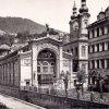 Karlovy Vary - litinová Vřídelní kolonáda | litinová Vřídelní kolonáda na historické fotografii z roku 1897