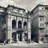 Karlovy Vary - Městské divadlo | divadlo Vítězslava Nezvala na fotografii z roku 1965