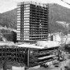 Karlovy Vary - hotel Thermal | výstavba kongresového centra hotelu Thermal v roce 1974
