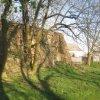 Týniště - tvrz | pozůstatky bývalé tvrze od severozápadu - duben 2012