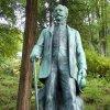 Kyselka - pomník Heinricha Mattoniho | plastika Heinricha Mattoniho - září 2013