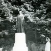 Kyselka - pomník Heinricha Mattoniho | pomník Heinricha Mattoniho v polovině 20. století