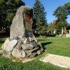 Jáchymov - pomník Štěpána Šlika | zchátralý pomník Štěpána Šlika ve Šlikově parku - říjen 2013