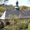 Horní Slavkov - kostel sv. Anny   střecha špitálního kostela sv. Anny nevě pokrytá eternitovou krytinou - duben 2009