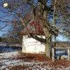 Krásno - kaple Panny Marie Sněžné | jihovýchodní boční stěna zchátralé kaple Panny Marie Sněžné v Krásně - prosinec 2013
