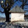 Krásno - kaple Panny Marie Sněžné | závěrová stěna zchátralé kaple Panny Marie Sněžné v Krásně od jihozápadu  - prosinec 2013