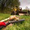 Skoky - Vysoký kříž | rekonstrukce zchátralého kříže ve Skokách dobrovolníky - duben 2011 (foto Petr Lněnička)