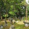 Skoky - hřbitovní kříž   zchátralý hřbitovní kříž na opuštěném hřbitově v zaniklé vsi Skoky (Maristock) - září 2015