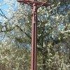 Chlum - Pfeiferův kříž | litý železný vrcholový kříž - duben 2016