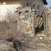 Bohuslav - kaple | vstupní jihozápadní průčelí zdevastované klasicistní kaple na bývalé návsi ve vsi Bohuslav - březen 2018