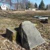 Služetín - pomník obětem 1. světové války | boční kamenná stéla - březen 2018