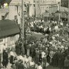 Nejdek - pomník obětem 1. světové války   shromáždění u pomníku padlých v Nejdku za letní slavnosti sudetoněmecké strany v roce 1936