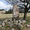 Ryžovna - pomník obětem 1. světové války | boční strana pomníku padlým v Ryžovně - duben 2014