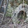 Javorná - Rábův mlýn | mlýnský kámen ze zaniklého mlýnského provozu Rábova mlýna u Javorné - březen 2017