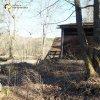 Javorná - Rábův mlýn | jedna z rekreačních chatek vystavěná na rozvalinách objektů přední části areálu zaniklého Rábova mlýna - březen 2017