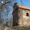 Verušičky - kaple Nejsvětější Trojice   kaple Nejsvětější Trojice od jihozápadu s novou střechou nad lodí - březen 2016
