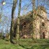 Verušičky - kaple Nejsvětější Trojice   kaple Nejsvětější Trojice od severozápadu - duben 2012