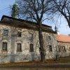 Javorná - kostel sv. Jana Nepomuckého | západní průčelí kostela sv. Jana Nepomuckého - březen 2014