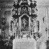 Tocov - kostel Navštívení Panny Marie | hlavní oltář kostela před rokem 1945