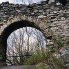 hrad Andělská Hora (Engelsburg) | objekt první brány hradu Andělská Hora - březen 2004
