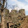 hrad Andělská Hora (Engelsburg) | věžovitá druhá brána hradu - březen 2004
