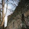 hrad Andělská Hora (Engelsburg) | vnější plášť severní hradby - březen 2004
