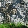 Údrč - smírčí kříž | druhotně zazděný kamenný smírčí kříž v Údrči - září 2013