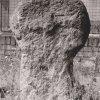 Žlutice - křížové kameny   pravý křížový kámen (0765) z hrubozrnné žuly v roce 1983, zdroj: archiv Muzea Karlovy Vary