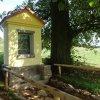 Pulovice - kaplička sv. Huberta | výklenková kaplička sv. Huberta u Pulovic - září 2014