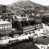 Karlovy Vary - pomník obětem 1. světové války | bývalá Chebská ulice s již zbořeným pomníkem padlým před výstavbou hotelového komplexu Thermal - červenec 1964