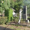 Radošov - pomník obětem 1. světové války | čištění povrchů během restauračního zásahu při obnově válečného pomníku v Radošově - červen 2018