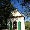 Nové Město - kaple Panny Marie Altöttingské | obecní kaple od jihovýchodu - říjen 2013