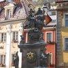 Karlovy Vary - sloup se sousoším Nejsvětější Trojice | sloup se sousoším Nejsvětější Trojice a Korunování Panny Marie - leden 2010