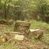 Svatobor - socha sv. Jana Nepomuckého   rozvalená socha sv. Jana Nepomuckého - květen 2006