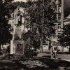 Karlovy Vary - pomník Karla IV. | pomník Karla IV. u Císařských lázní v 70. letech 20. století
