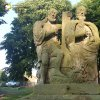 Močidlec - sousoší Nejsvětější Trojice | zchátralé vrcholové pískovcové figurální sousoší Nejsvětější Trojice - červenec 2015