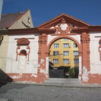 Žlutice - zámecká brána