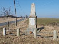 Heřmanov - pomník obětem 1. světové války   Heřmanov - pomník obětem 1. světové války