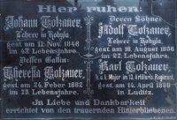 Kobylé - pamětní deska rodiny Totzauerů | Kobylé - pamětní deska rodiny Totzauerů
